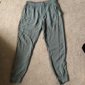 Pants - Harlow and graham jogger pants. Size 6.